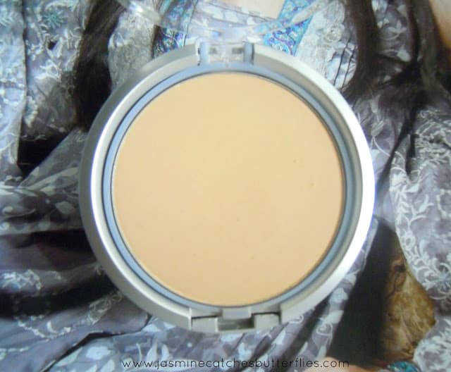 Jordana Perfect Pressed Powder in Classic Sand