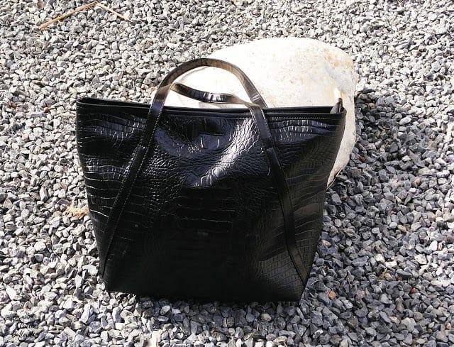 Crocodile Embossing Faux Leather Shoulder Bag